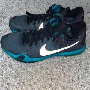 Men's Nike Kobe 10 low basketball shoes